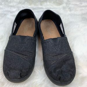 Toms Black Iridescent Glimmer shoes, sise 4.5